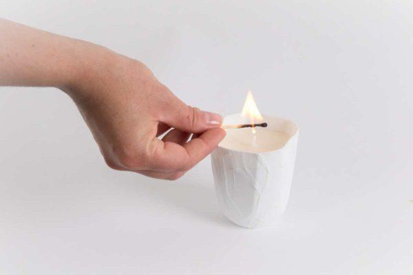 bougie parfumee soja photophore carre biscuit porcelaine de limoges latelier du blanc