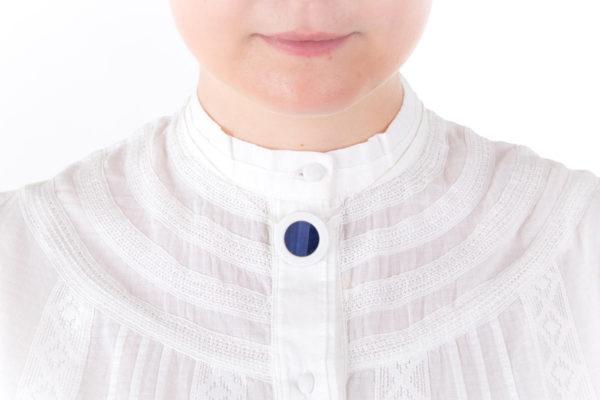collier bleu nuit petit pendentif porcelaine