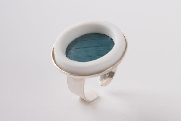 grosse bague reglable bleu clair porcelaine marqueterie latelierdublanc