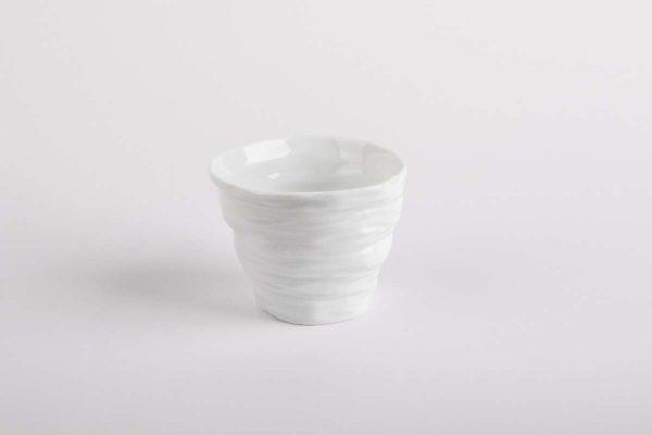 tasse cafe froisse gobelet porcelaine de limoges l atelier du blanc