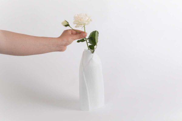 vase haut etroit castanea porcelaine de limoges latelier du blanc