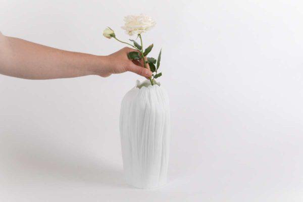 vase haut etroit caulis grand porcelaine de limoges latelier du blanc