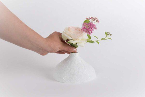 vase soliflore bulbe biscuit goutte brillante porcelaine de limoges latelierdublanc