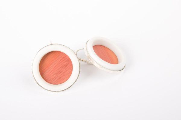 grosse-boucle-d-oreille-argent-femme-dormeuse-anneau-porcelaine-blanche-paille-rose-clair-l-atelier-du-blanc