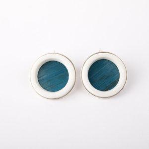 grosses-boucles-d-oreilles-rondes-femme-dormeuse-argent-anneau-porcelaine-blanche-paille-bleu-clair-l-atelier-du-blanc
