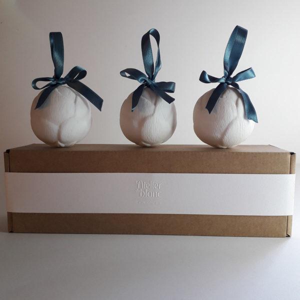 coffret-boule-de-noel-cadeau-collectionneur-porcelaine-de-limoges-latelierdublanc
