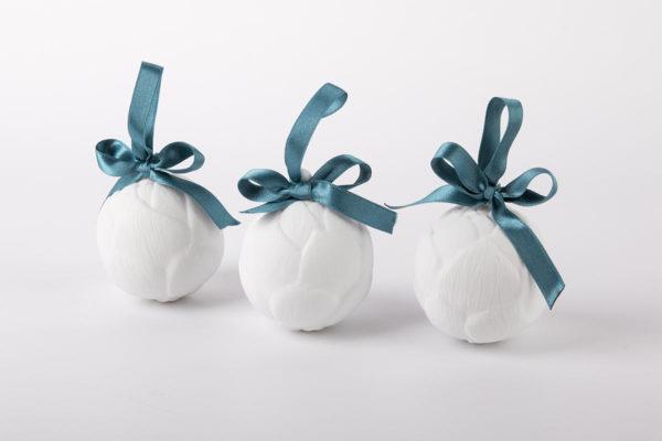 deco-pour-sapin-boule-de-noel-blanc-bourgeon-coffret-collection-porcelaine-de-limoges-latelier-du-blanc