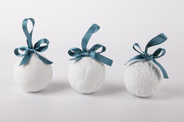 deco-pour-sapin-boule-de-noel-blanc-melange-coffret-collection-porcelaine-de-limoges-latelier-du-blanc