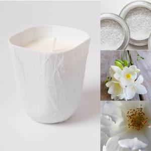 bougie-parfumee-pour-chambre-maison-poudre-de-riz-fleur-ylang-musc-blanc-cire-naturelle-photophore-porcelaine-de-limoges-MM-l-atelier-du-blanc